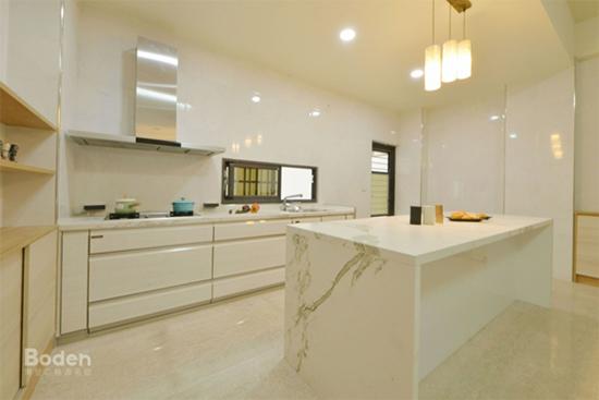 客戶請博登規劃開放式廚房及櫥櫃設計。