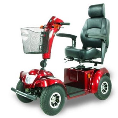 「高紅電動代步車」扮演人際互動的橋樑,幫助長輩找回自信心與光采!