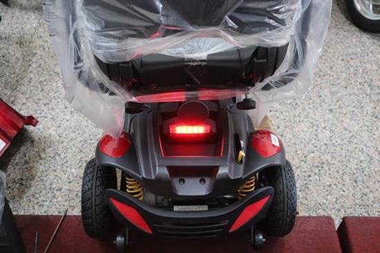 電動代步車性能、配備不斷進步,高紅在細節上給予最舒適的騎乘體驗。