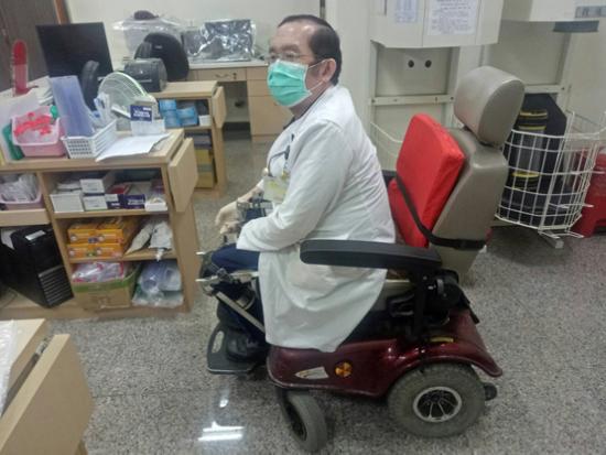 高紅售出的電動輪椅,後續保養及維修一樣都不馬虎!
