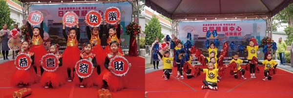 上台表演展現專業架式,孩子們就是鎂光燈下的最佳主角。