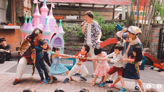 以劇情出現過的場景作為互動遊戲,幼兒園孩子都相當認真喔!