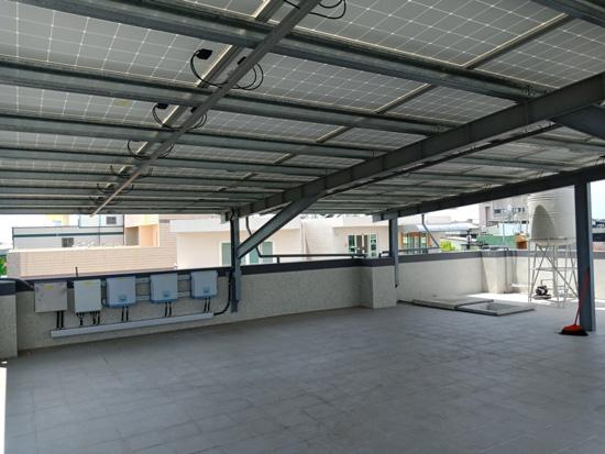 一大片的太陽能種電棚架不落地,考驗豐裕博源的功力。