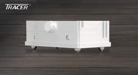 綜合擴大機:好音樂配上「Tracer音響」配備,才稱得上完美無缺。