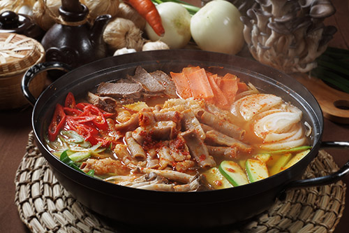 火鍋、小火鍋、麻辣鍋、鴛鴦鍋、養生鍋、涮涮鍋、石頭火鍋、燒肉火鍋、火烤兩吃、吃到飽