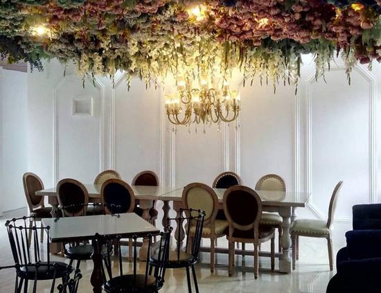 台東夢之谷民宿環境優雅,以花草、花牆做裝飾,充滿田園芳香。