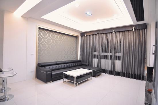 美式窗簾有八種不同變化,讓室內設計的效果更豐富。